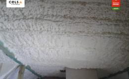izolacja z pianki poliuretanowej na poddaszu