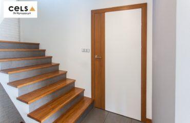 drzwi do bloku