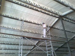 ocieplanie dachów pianką natryskową