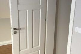 drzwi do bloku,