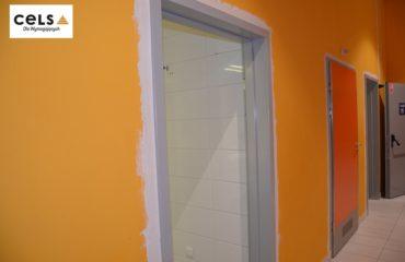Nietypowe drzwi w Centrum Handlowym Plaza